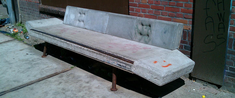 De betonnen bank van Strijp-S